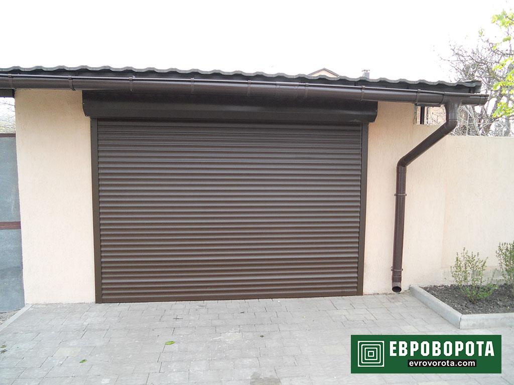Рулонная конструкция – идеальный выбор для защиты гаража