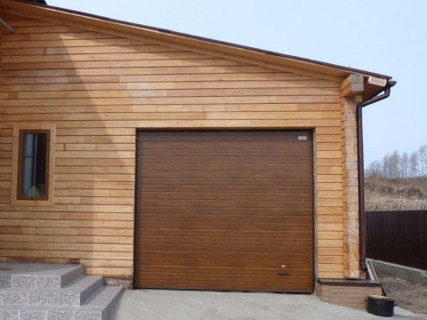 Выбрать гаражные ворота Алютех или Doorhan