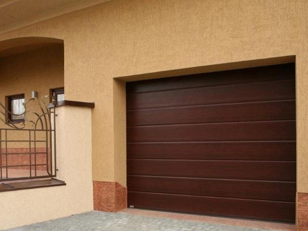 коричневый цвет гаражных ворот