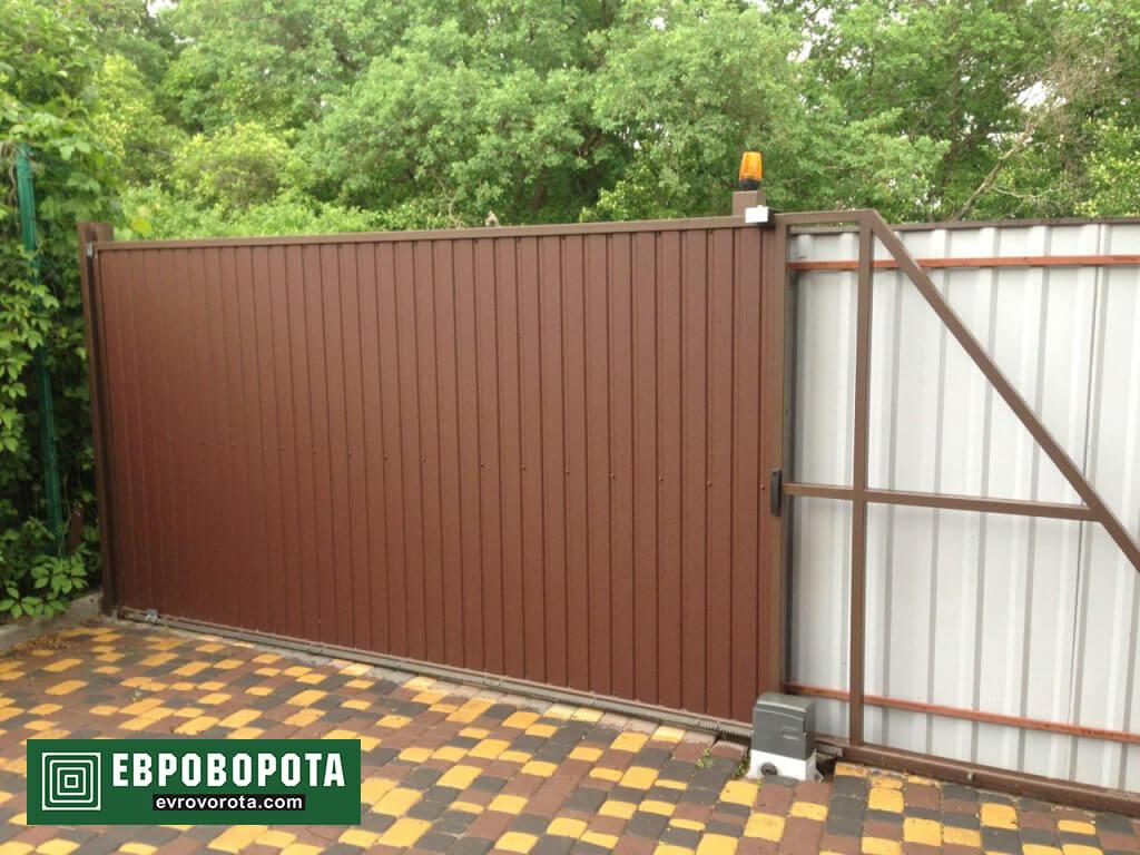 Откатные ворота из профнастила в Харькове